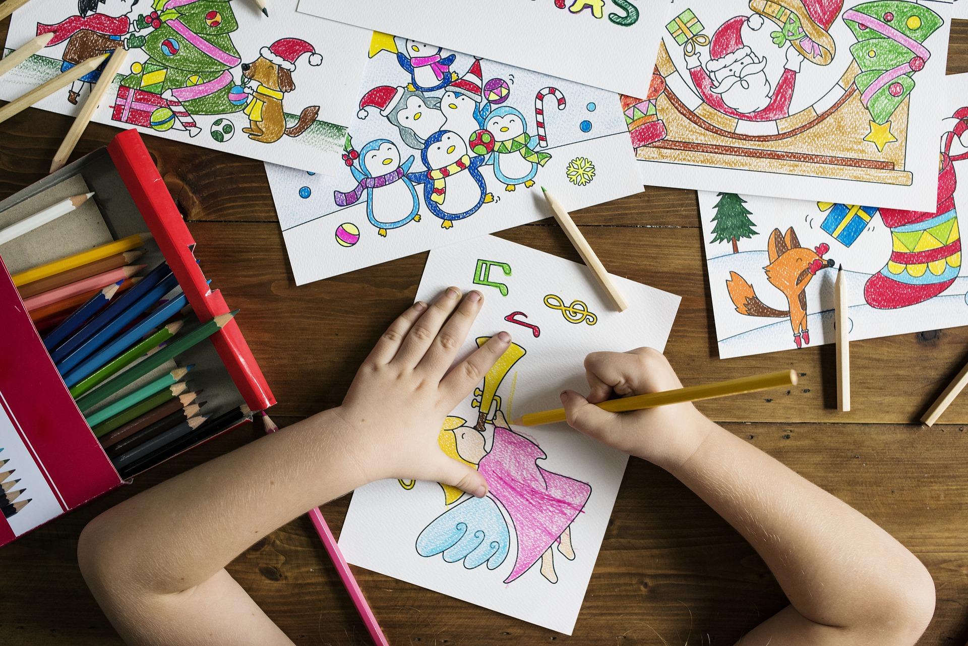 Školka sv. Františka - Děti si malují